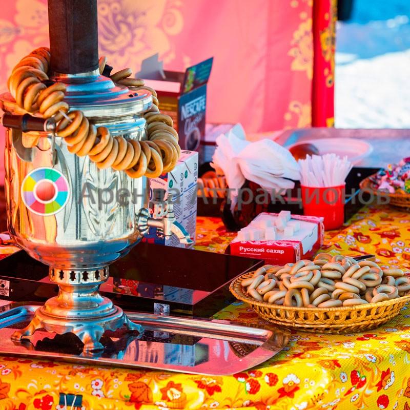 Чаепитие в русском стиле на мероприятии.