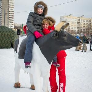 Аренда аттракциона Дойная корова на ярмарку