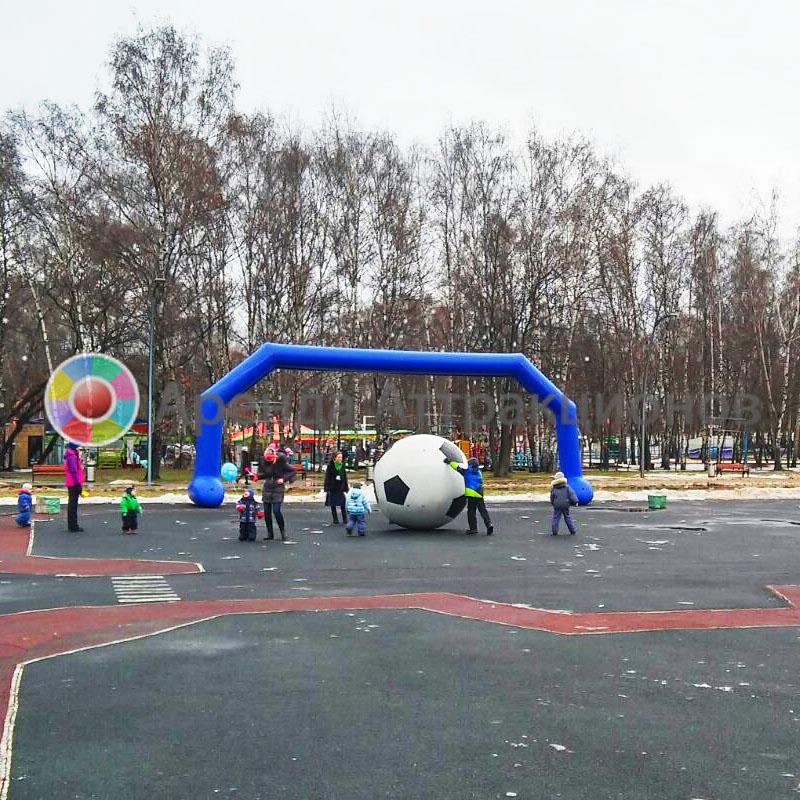 Футбол с гигантским мячом в аренду на мероприятие