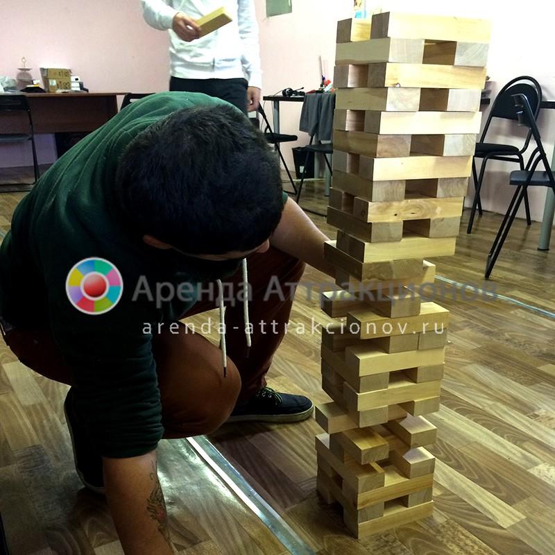 Напольная игра Дженга