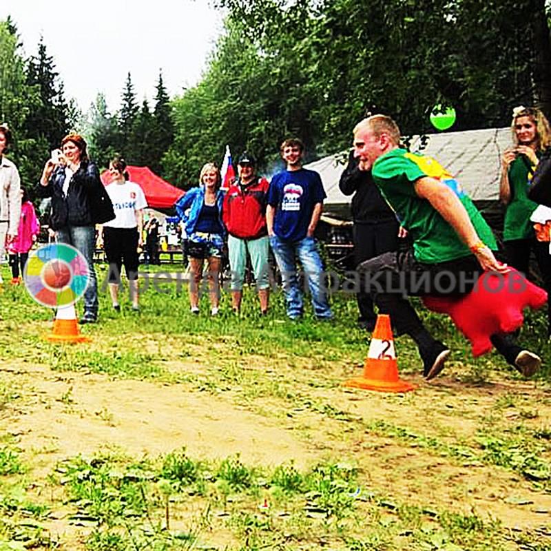 Фото зайки попрыгайки во время мероприятия