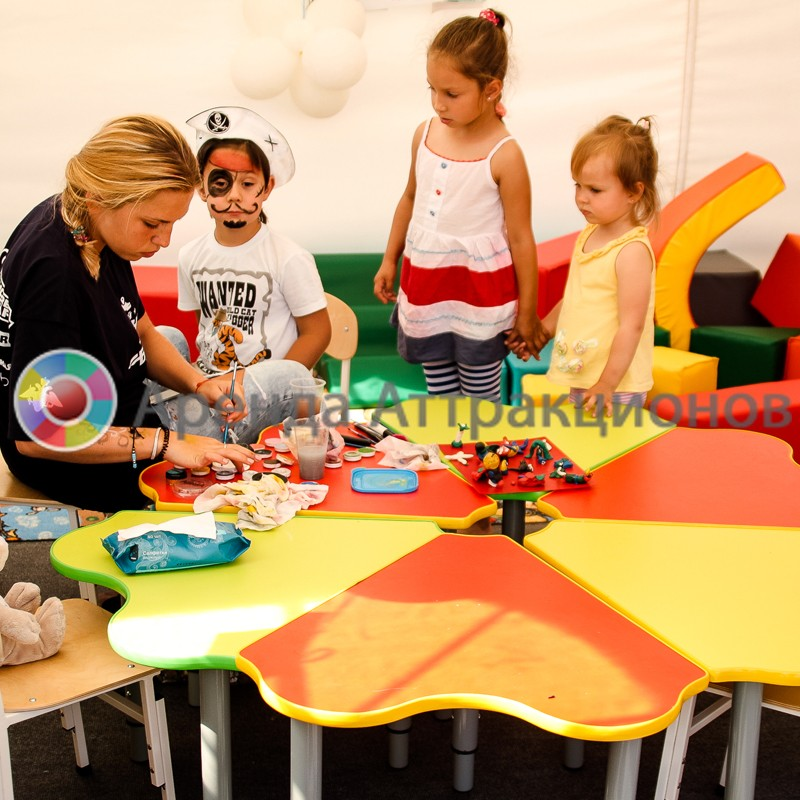 Детская мебель в аренду на мероприятие