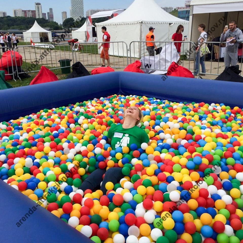 разноцветные шарики для сухого бассейна