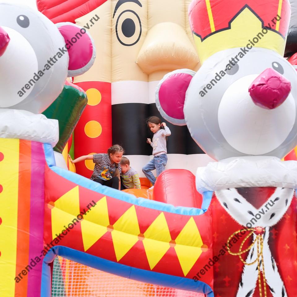 Аренда батута Щелкунчик на детский праздник