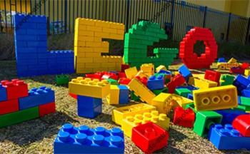 логтип из кубиков лего