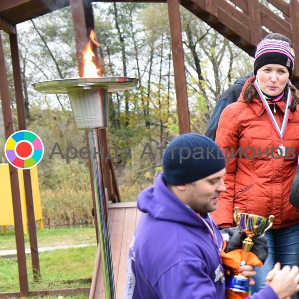 Большой спортивный факел на награждении участников спортивного мероприятия