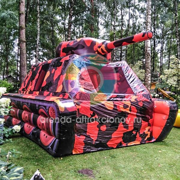 Пневмофигура танк на мероприятии